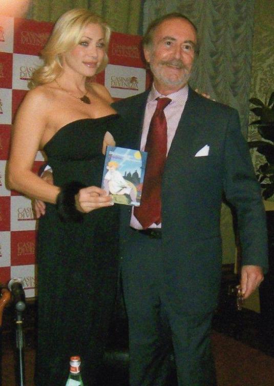 Dell'Orso con la pornostar Vittoria Risi alla presentazione del libro a Ca' Vendramin-Calergi nel novembre scorso.