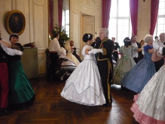 """L'association """"Le Bal Mabille"""" au chateau du Breuil"""