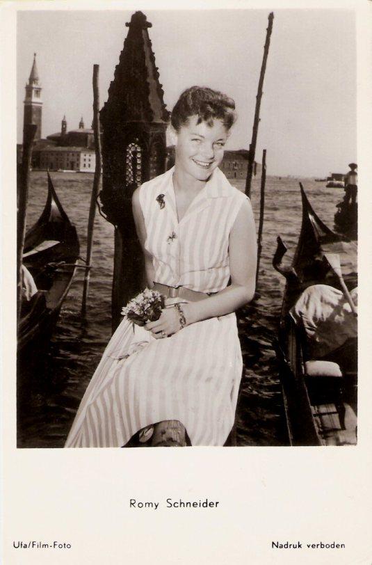 Romy Schneider sur le molde de San Marco - 1957