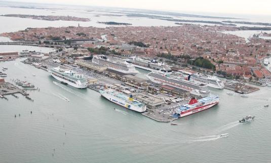 Le port de Venise