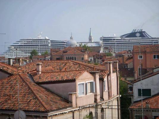 Vue du port depuis San Giovani e Paolo