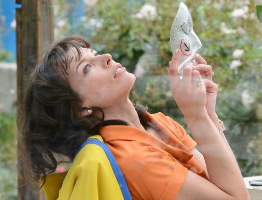 Milla Jovovich : transformée en œuvre d'art pour la Biennale de Venise !