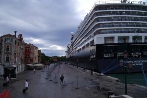 Navires sur le quai ees esclavons