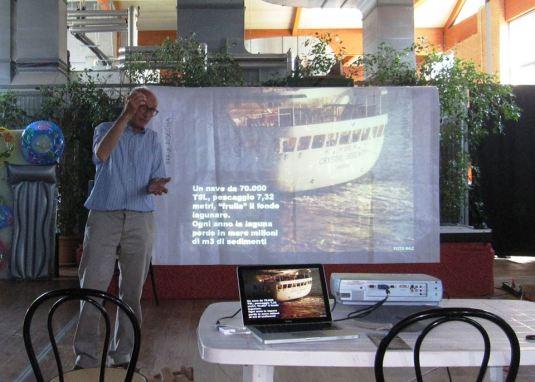 Intervention du Professeur Tartara lors des Journées Internationale de lutte contre les Grands Navires le 8 juin 2013 à Sacca Fisola - Venise