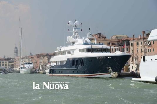 Le Sirona III, le yacht Micky Arison - photo La Nuova di Venezia