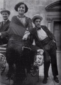 Fille et son soutenur et un client, devant le Gran Teatro La fenice