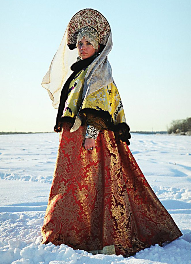 Costume traditionnel de Russie de la seconde partie du XVIIIème siècle