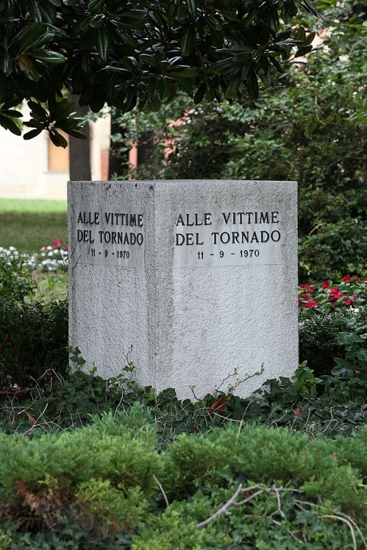 110 spetembre 1970 Venise - Monument aux disparus