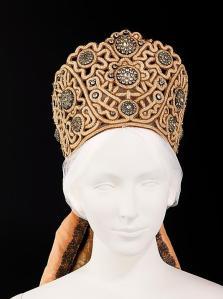 Coiffes traditionelles et kokochniks de la collection de Natalia Chabelskaya