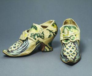 Paire de chaussures vers 1735