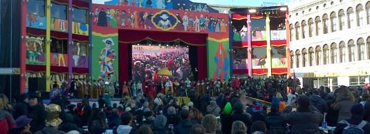 Il GRAN TEATRO DI PIAZZA SAN MARCO è il cuore del Carnevale Prenota il tuo posto nel PARTERRE o nei PALCHI per UN CARNEVALE DA PROTAGONISTA!