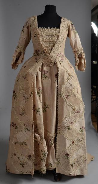 Robe à la française pouvant se relever en Polonaise, milieu du XVIIIe siècle