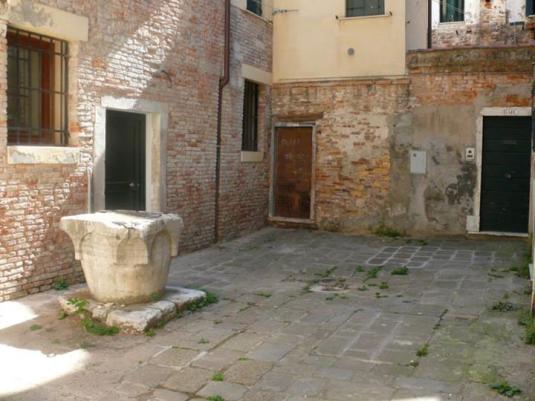 Corte del Parucchier, à San Giovanni e Paolo