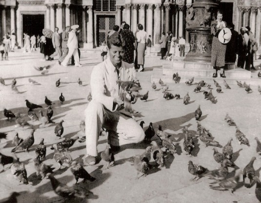 John Fitzgerald Kennedy et les pigeons de San Marco