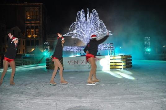 La piste de patinage ouverte campo San Polo