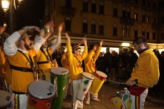 Les bandas à la festa Veneziana