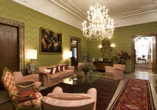 Un palais de la famille morosini olia i klod for Interni di ville classiche