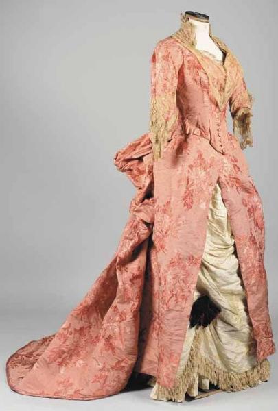 Robe de réception en soie