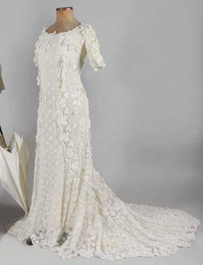 Somptueuse robe en dentelle d'Irlande