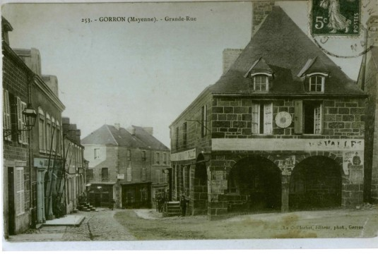 Mercerie - bonneterie Manoury, 1 grand rue à Gorron