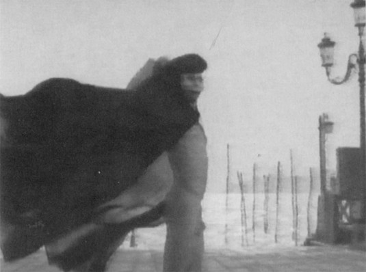 Au-delà du bien et du mal (1977)