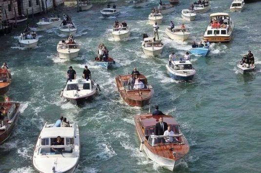 George Clooney sur le Canal Grande