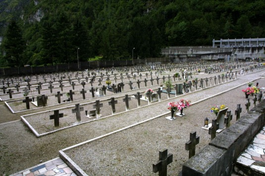 Cimitero Vajon