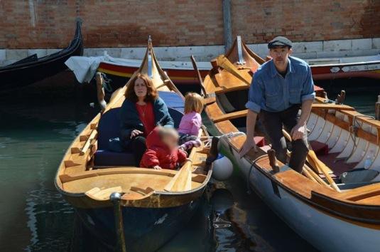 battella a coda di gambero dans le bassin de San Marco