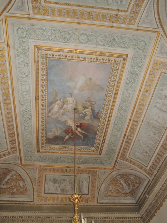 Plafond du cabinet de travail de l'Empereur avant restauration