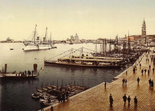 Le Hohenzollern dans le bassin de San Marco